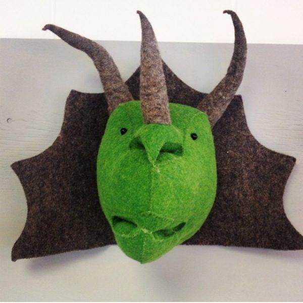 Декоративная голова Трицераптора